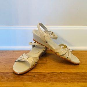 SAS strap wedge sandal cream size 8.5 (EUC)